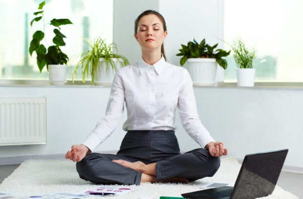 cropped-cropped-cropped-office-yoga-2.jpg