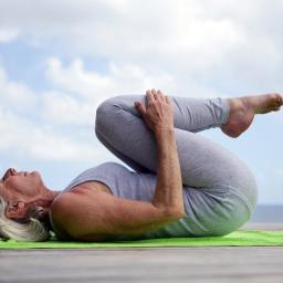 Yoga para aliviar dolores en la espalda baja