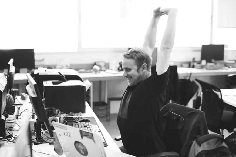 Yogi en la oficina
